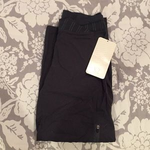 LuLuLemon lightweight workout pant; new with tags